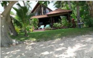 Coconut Grove E32